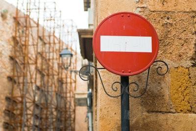 Les panneaux de signalisation et leur signification - donc l'éducation à la sécurité routière succès