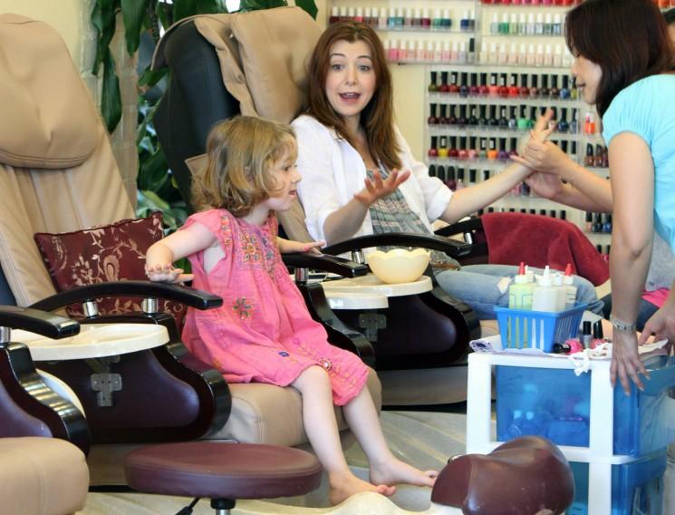 Alyson Hannigan dispose d'un spa date avec sa fille Satyana