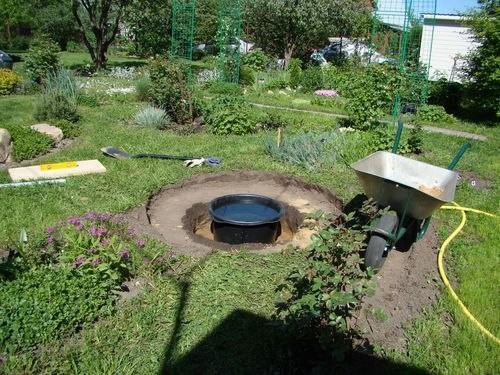 diy backyard fontaine buried. Black Bedroom Furniture Sets. Home Design Ideas