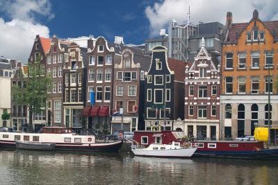 Voyager le Vendredi Saint dans le Pays-Bas - afin réussit de