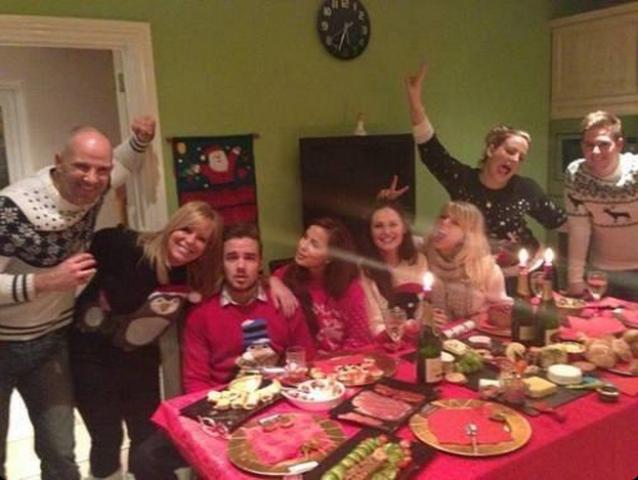 Liam Payne Girlfriend 2013: 1D chanteur passe Noël avec GF Sophia Smith et sa famille