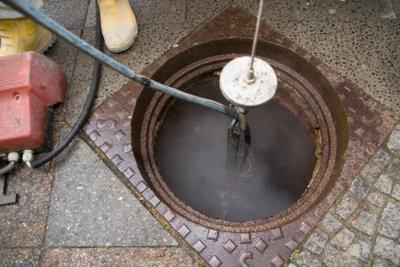 Installez le joint de l'eau dans le tuyau de descente - comment cela fonctionne: