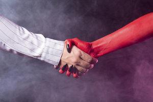 La relation entre Faust et Méphistophélès - approches interprétatives