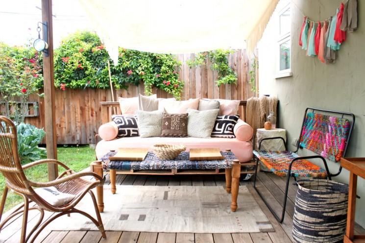 My New Backyard: Une liste de Source