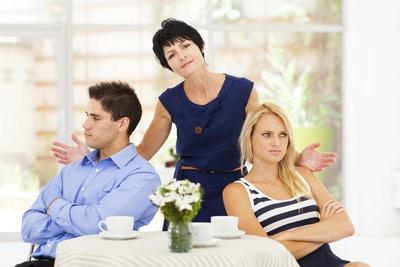 Problèmes avec les beaux-parents - Que faire?