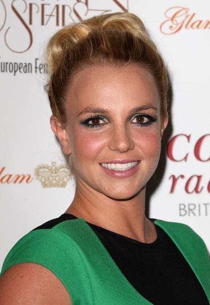 Britney Spears & Relation Breakup rumeurs Mise à jour: Chanteur Adresses Boyfriend Pendant l'étape de Split Performance