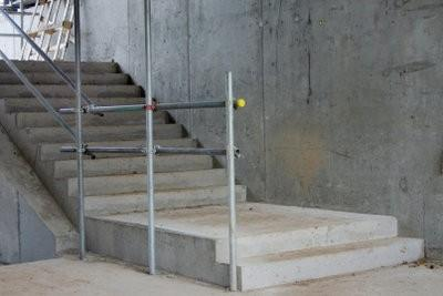 Escaliers r nover comment cela fonctionne au escaliers en b ton - Renover escalier beton ...