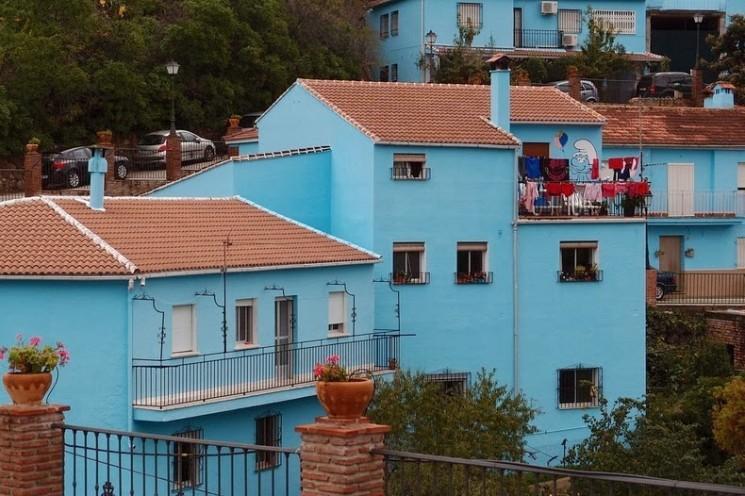 Juzcar, le village espagnol qui se peint en bleu