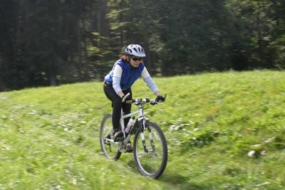 Maintenir descente vélos correctement