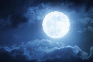 Combien de lunes sont plein dans l'année?