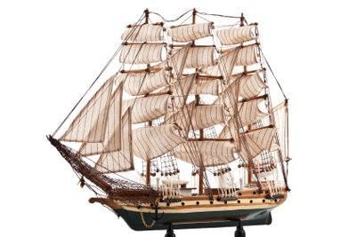 Maquettes de bateaux à construire vous-même - des instructions pour un voilier