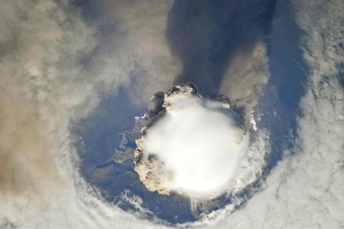 De superbes photos des éruptions volcaniques vus de l'espace