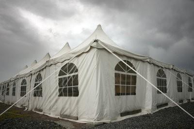Tentes de réception - instructions d'assemblage pour une tente avec des parois latérales