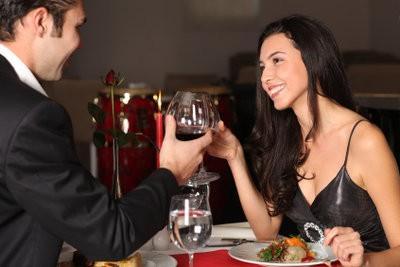 Musique romantique et chandelles - si vous produisez la date parfaite