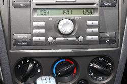 Ford Focus - Saisissez le code de radio
