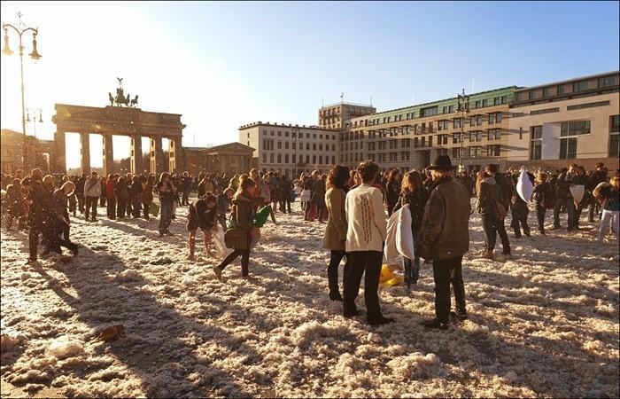 Lutte messe Oreiller à Berlin