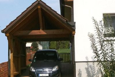 Construire abri à un mur de la maison - à noter