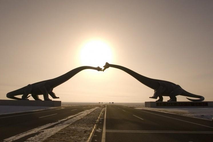 Les dinosaures de Kissing de Erenhot, en Chine