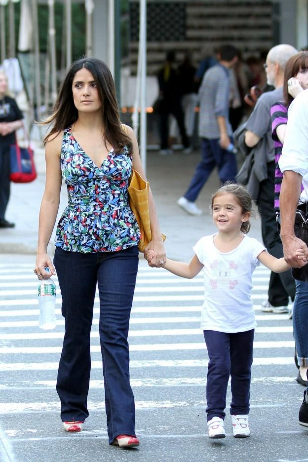Celeb Mom Style: Celebrity mamans portent Floral tenues (Photos)