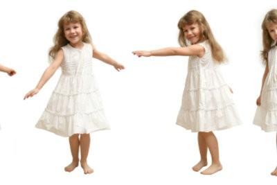 La danse des enfants: répéter la chorégraphie - comment cela fonctionne