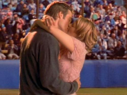 Je était de 25 quand je eu mon premier baiser.  Voici ce que je appris.