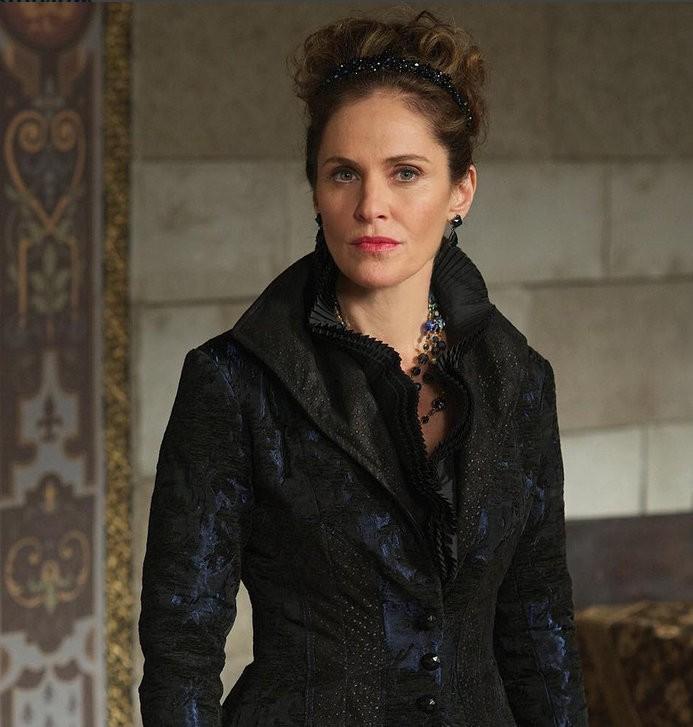 «Règne» Saison 3 spoilers: Marie de Guise retours, la reine Elizabeth et Catherine Devenez amis proches