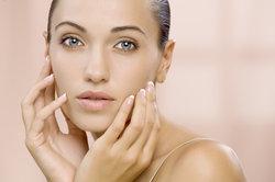 Crème dépilatoire sur l'utilisation du visage - conseils utiles