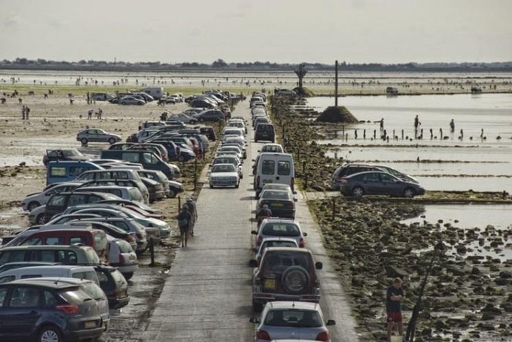 Passage du Gois: Une marée Causeway en France