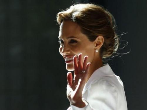 Ouais, nous serions totalement votons pour Angelina Jolie