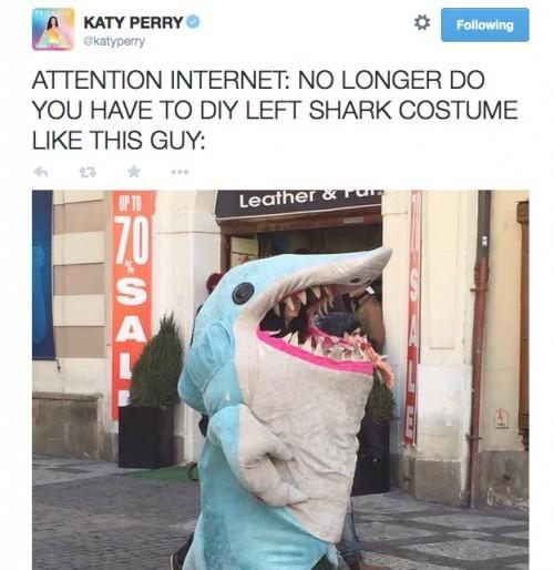 Les meilleures nouvelles!  Katy Perry vend onesies officielles Gauche Shark