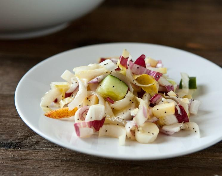 Salade de pommes endives avec graines de pavot