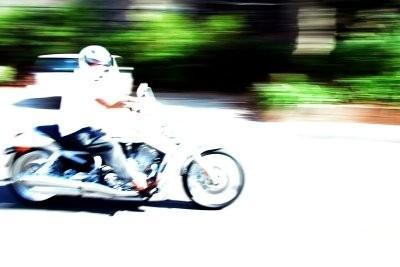 Moto - conduire droit dans des vents de travers