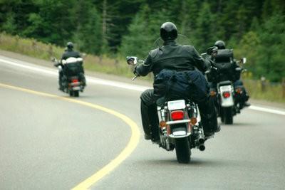 Nettoyez le filtre à air sur le motocycle - de sorte que vous obteniez la bonne