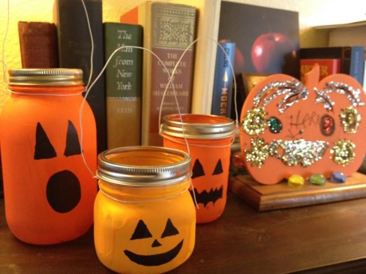 Dernière Minute Halloween: 3 Halloween Things I Found in One Trip Grocery Store.  (Alias: Halloween en une heure: Fait et Terminé.)