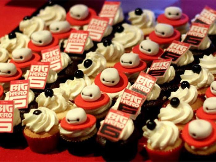Ces petits gâteaux personnage de bande dessinée, sont des œuvres d'art comestibles mignon