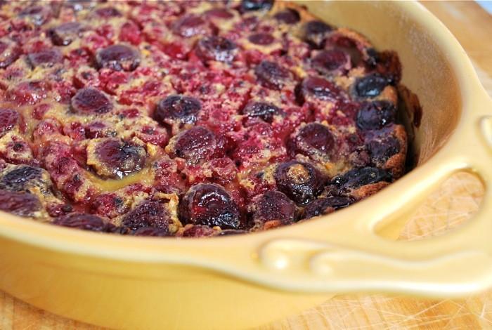 Cerise Clafoutis Groseille: Un gâteau été simple et délicieux