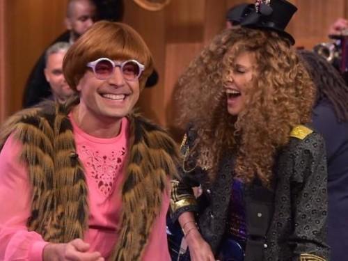 Jimmy Fallon et Charlize Theron ont joué habiller, parce que bien sûr ils l'ont fait