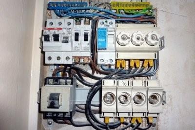 Faire l'installation électrique elle-même - vous devez être conscient des