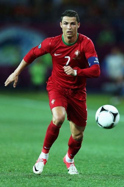Irina Shayk et Ronaldo: Elle fait du jogging alors qu'il débute - la paire de EM plus belle et la plus sportive