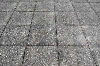 Disposez les dalles de béton - Voici comment