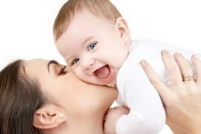 Ballonnements chez les nouveaux nés - de sorte qu'ils peuvent être soulagés avec des remèdes naturels