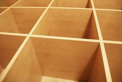 construire tag re murale elle m me voici comment conomiser de l 39 espace. Black Bedroom Furniture Sets. Home Design Ideas