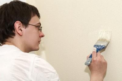 Coût d'un peintre en bâtiment - si vous calculez une peinture de la maison complète