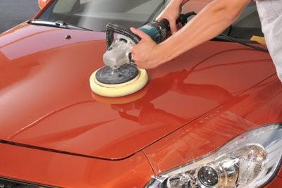 Enlever les rayures dans la peinture de la voiture - si ça va marcher