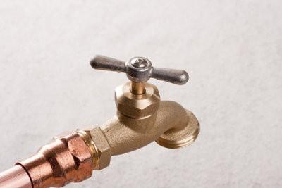 La pose de tuyaux d'eau - Instructions pour faire votre propre