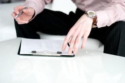 Une lettre à l'enquête auprès des employés de formuler - suggestions