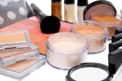 Maquillage pour les personnes souffrant d'allergies - ce qu'il faut rechercher dans les produits