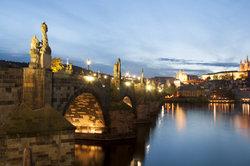 Dans quel pays est de Prague?  - Informatif
