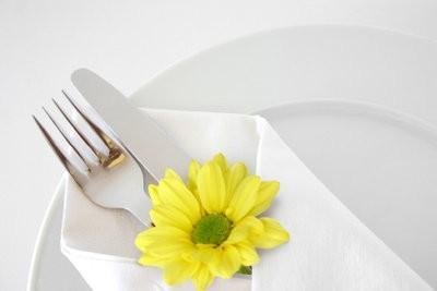 Faire des décorations de table pour le mariage argent lui-même - comment il fonctionne avec des fleurs