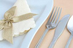 règles de coutellerie - orientation pendant des menus à plusieurs plats